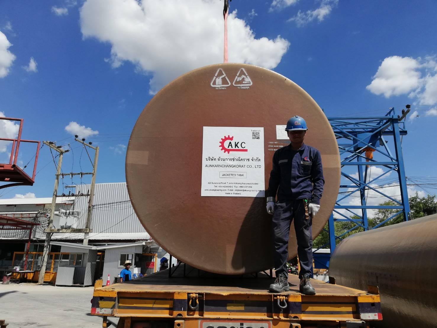 AKC ส่งถังน้ำมันฝังดิน 2 ชั้น ขนาด 30,000 ลิตร 4 ลูก ไซต์งานสถานีบริการโสมสินธุ์ธร แบรนด์ PTTOR อ.สหัสขันธ์ จ.กาฬสินธุ์