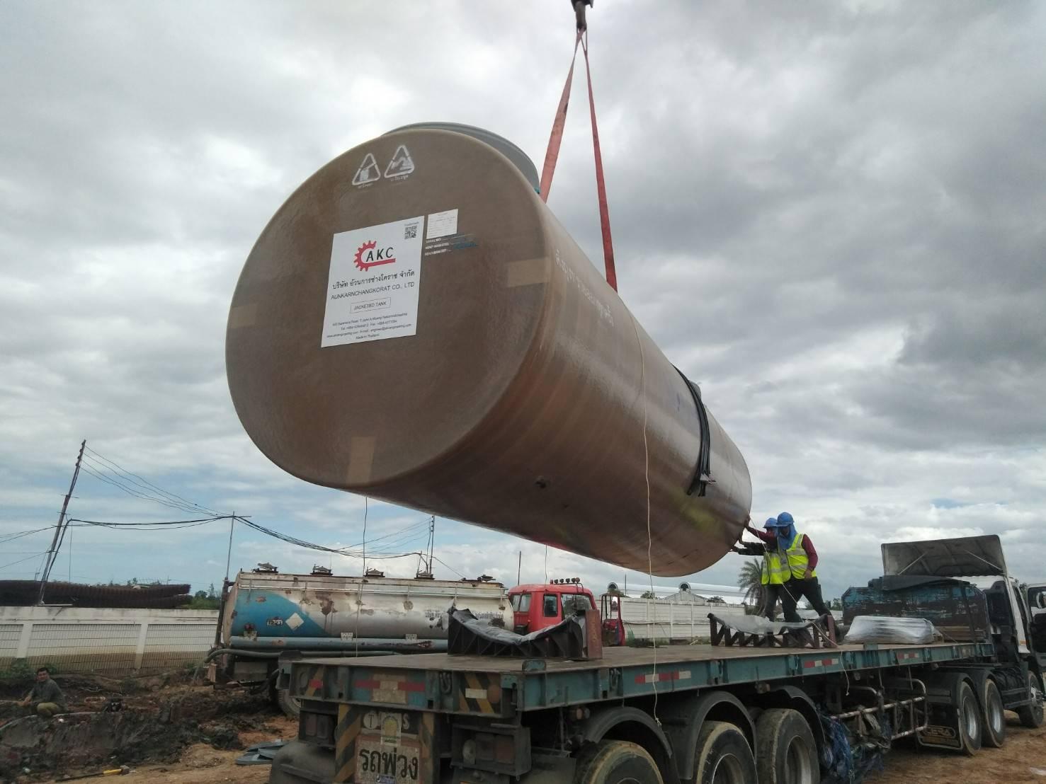 AKC ส่งถังน้ำมันฝังดิน 2 ชั้น ขนาด 30,000 ลิตร 5 ลูก